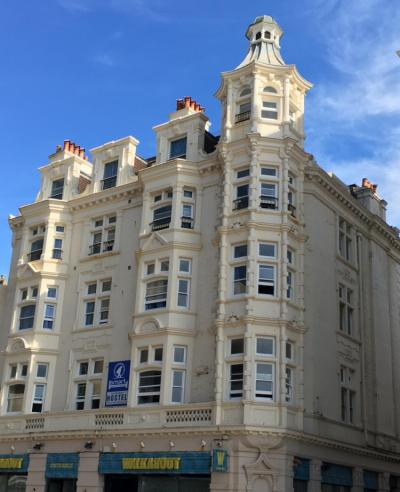 Hostales y Albergues - Smart Brighton Beach