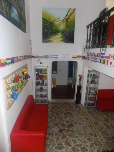 Hostales Baratos - Art City Hostel