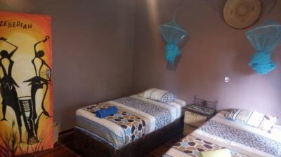 Hostales y Albergues - Mambo Backpackers Village Hostel